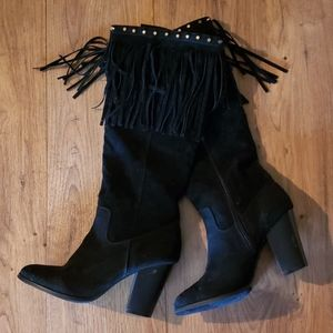 Black chunky heel boots with fringe detail sz.8.5
